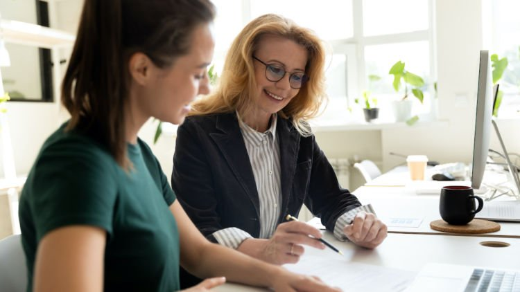 Meeting with a professional resume writer